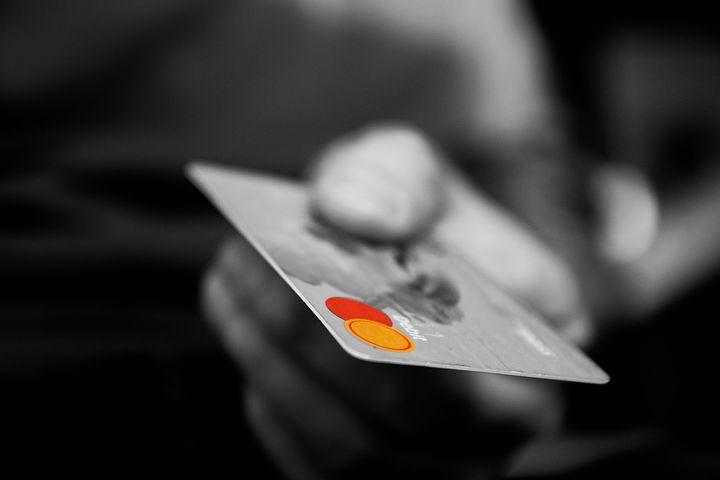 Karty płatnicze czyli plastikowe pieniądze