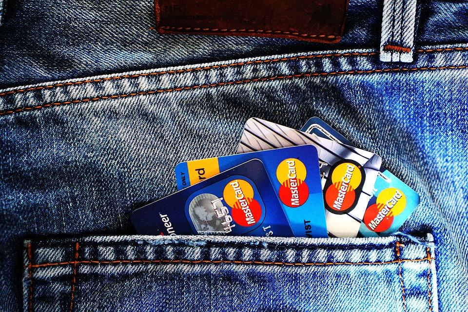 Czym jest karta kredytowa?